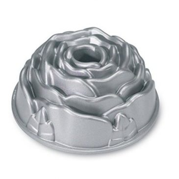 10 Best Bundt Cake Pans another wonderful addition to any kitchen